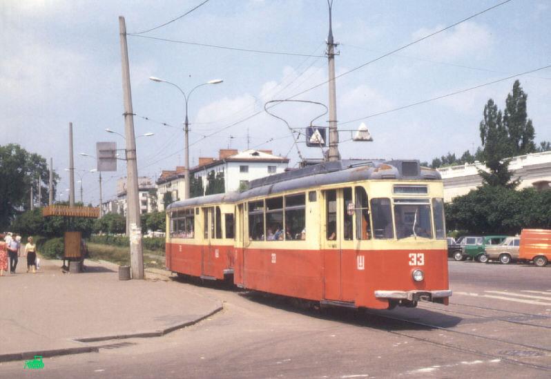 Один из двух последних поездов