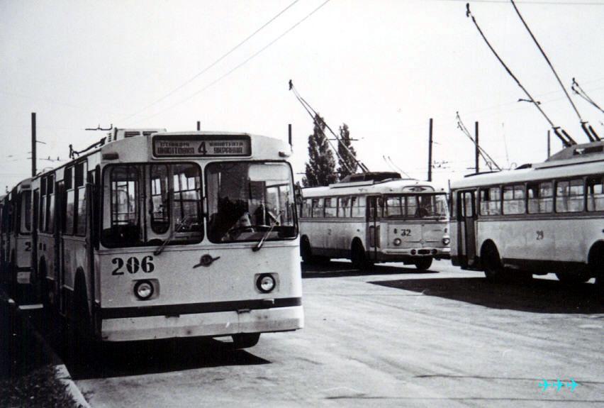 6 ноября 1974 троллейбусное движение в Горловке открыли Шкоды 9Тр 11-40.